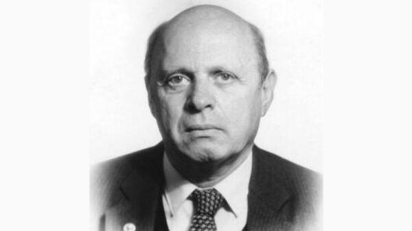 Директор Института теоретической физики имени Ландау Российской академии наук Исаак Халатников