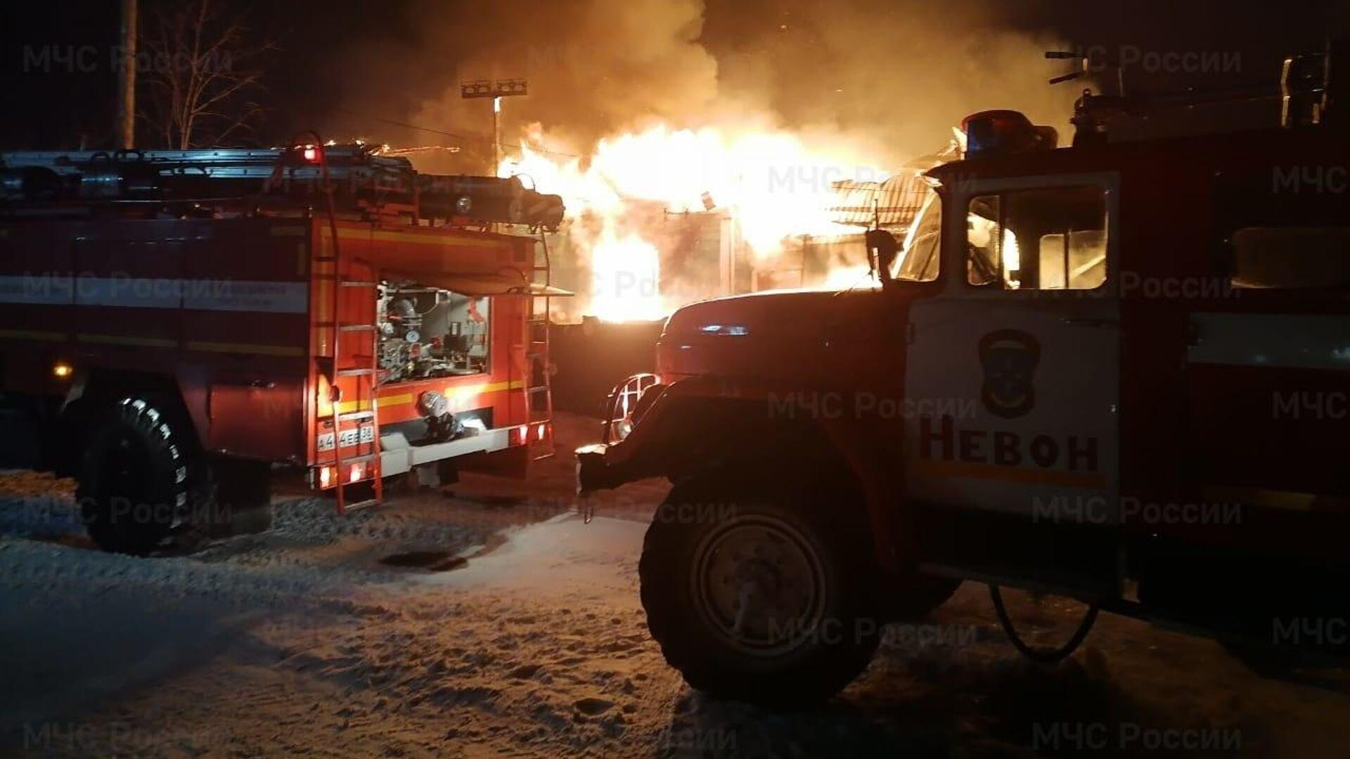 В Иркутской области два человека погибли при пожаре в частном доме