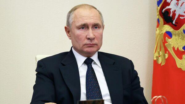 Президент РФ В. Путин провел встречу с главой Удмуртии А Бречаловым