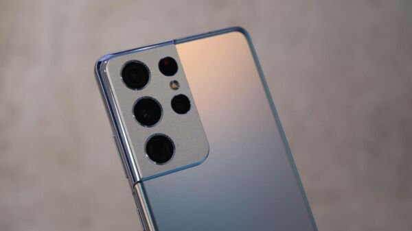 Samsung представил серию флагманских смартфонов Galaxy S21