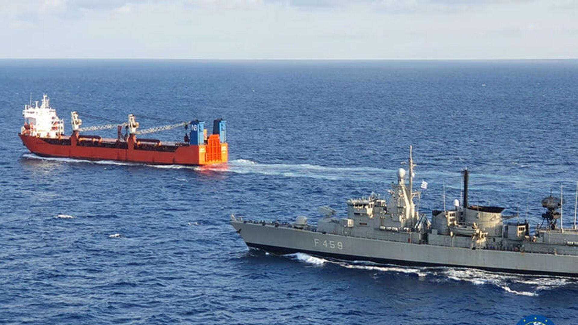 Спецназ Военно-морских сил Греции высадился на российский торговый корабль Адлер в Средиземном море - РИА Новости, 1920, 17.01.2021