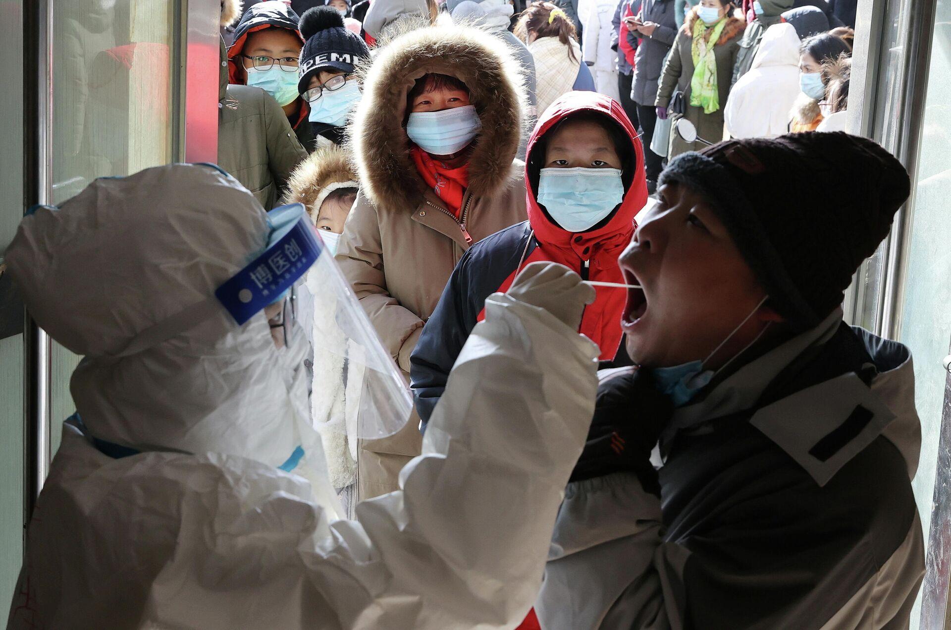 Тестирование на коронавирус в провинции Хэбэй в Китае  - РИА Новости, 1920, 15.01.2021