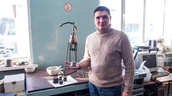 Сотрудник лаборатории новых металлургических процессов ТНЦ СО РАН Константин Болгару