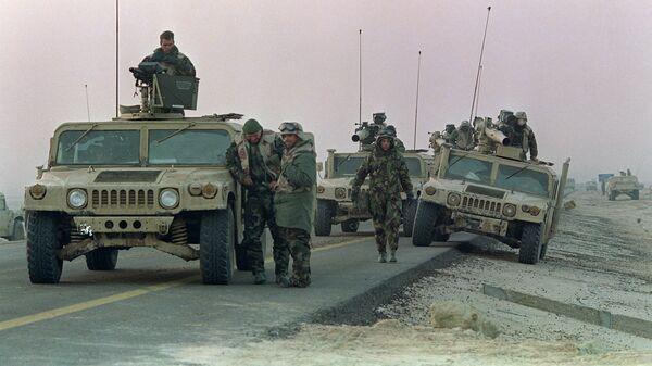 Морские пехотинцы США во время боя за город Хафджи в рамках операции Буря в пустыне