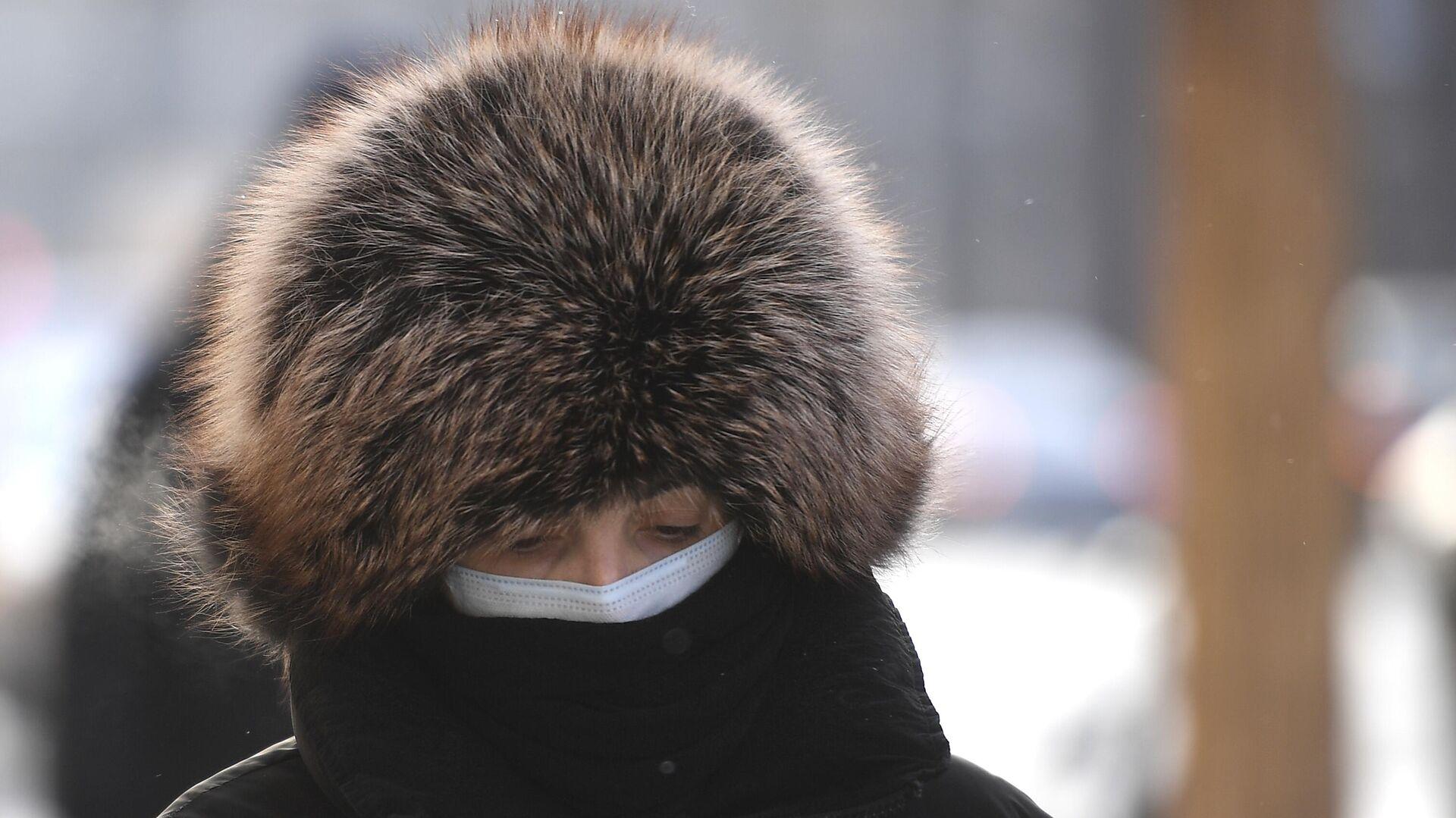 Женщина на одной из улиц в центре Москвы - РИА Новости, 1920, 06.03.2021