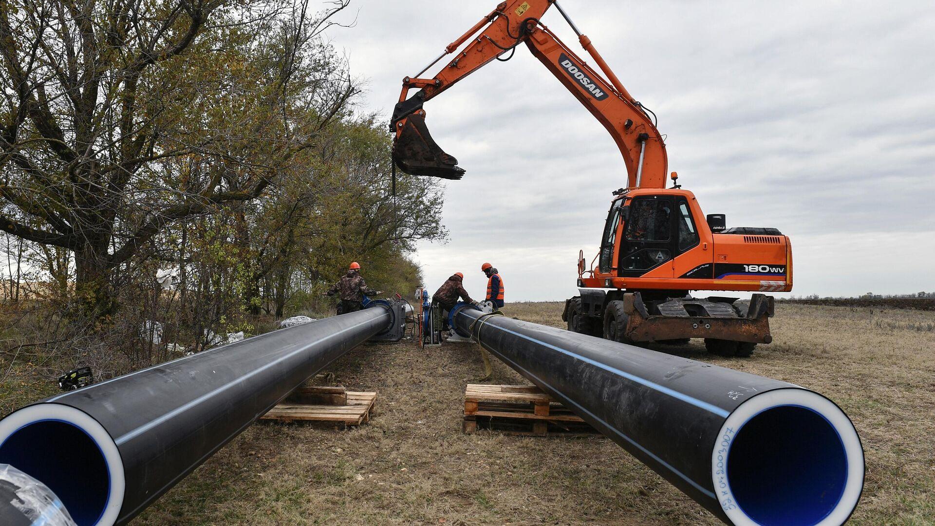 В Крыму началась укладка труб нового водовода для Симферополя - РИА Новости, 1920, 21.01.2021