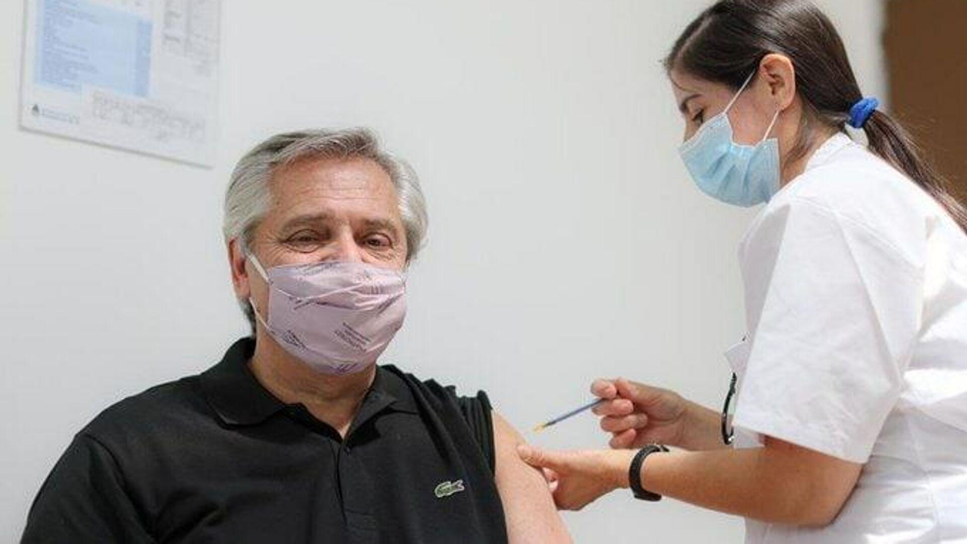 Второй тест президента Аргентины подтвердил заражение коронавирусом