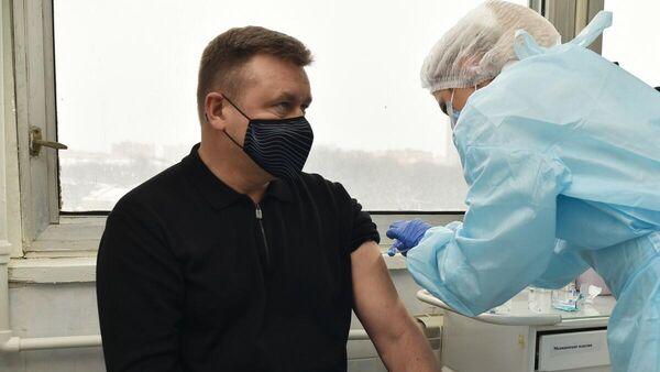 Губернатор Рязанской области Николай Любимов сделал прививку от COVID-19