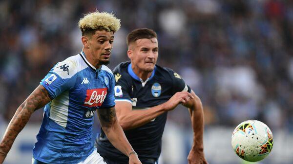 Защитник Наполи Кевин Малькюи в матче чемпионата Италии