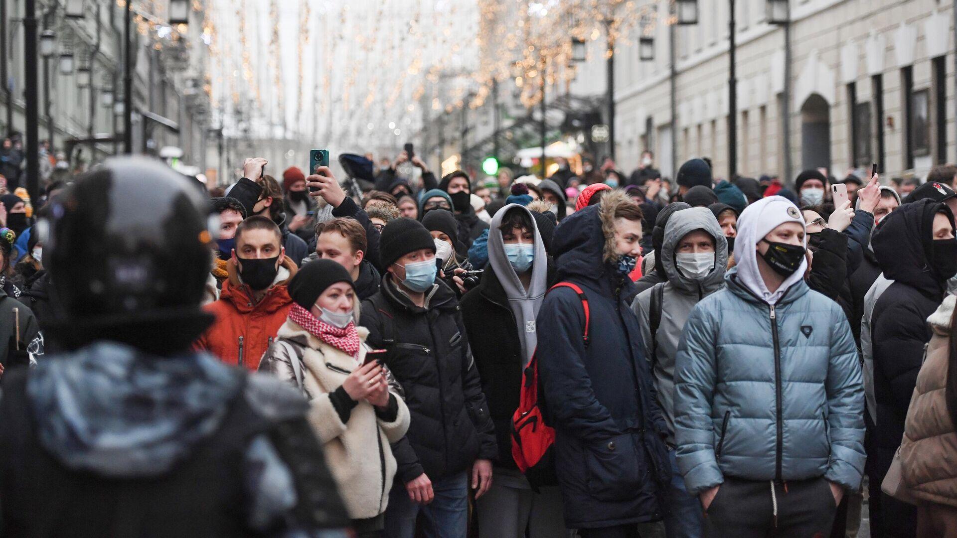 Участники несанкционированной акции сторонников Алексея Навального в Москве - РИА Новости, 1920, 27.01.2021