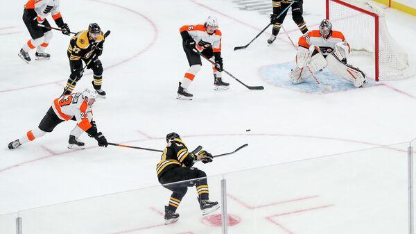 Матч НХЛ между командами Бостон Брюинз и Филадельфия Флайерз