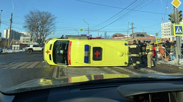 ДТП с участием машины скорой помощи на Сахалине