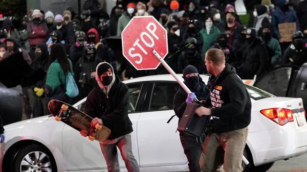 Акция протеста против действий полиции в Такоме