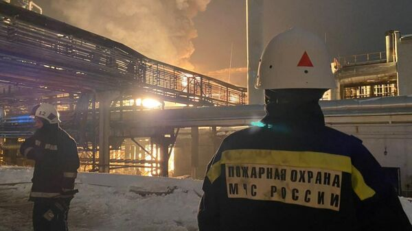 Пожар на территории завода Уфаоргсинтез