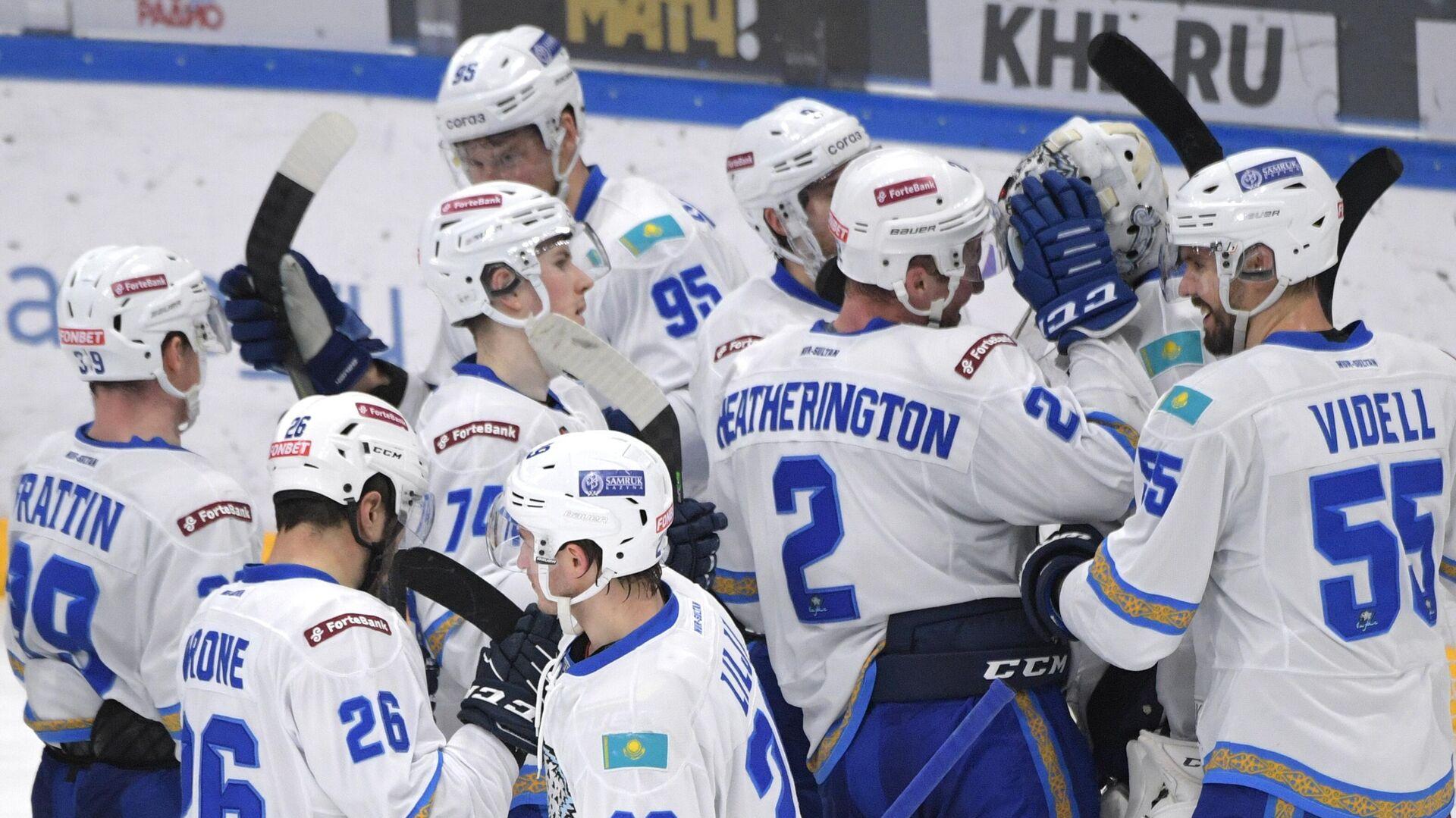 Игроки Барыса радуются победе в матче регулярного чемпионата КХЛ - РИА Новости, 1920, 25.02.2021