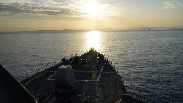 Эсминец ВМС США Портер движется в Черное море