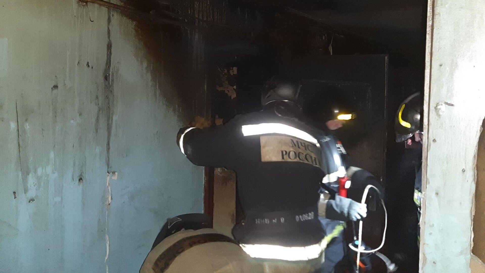 На месте пожара в городе Лабытнанги, на станции Обская - РИА Новости, 1920, 01.02.2021