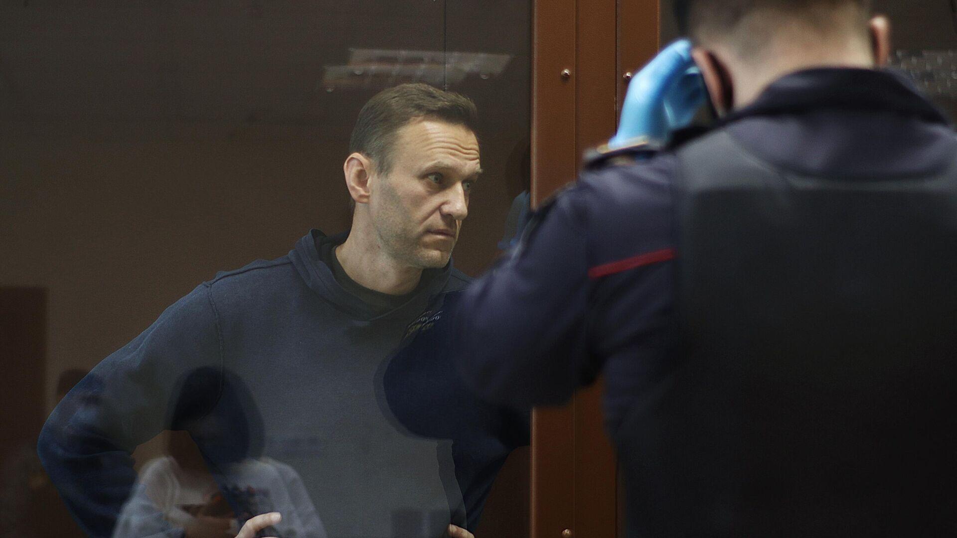 Алексей Навальный в зале Бабушкинского районного суда, где идет заседание по делу о клевете в отношении ветерана Великой Отечественной войны Игната Артеменко - РИА Новости, 1920, 05.02.2021