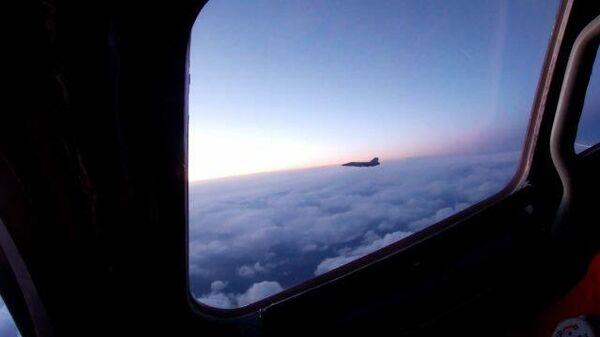 Полет ракетоносцев Ту-160 над акваториями трех морей