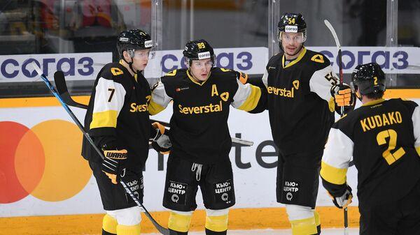 Хоккеисты Северстали в матче КХЛ