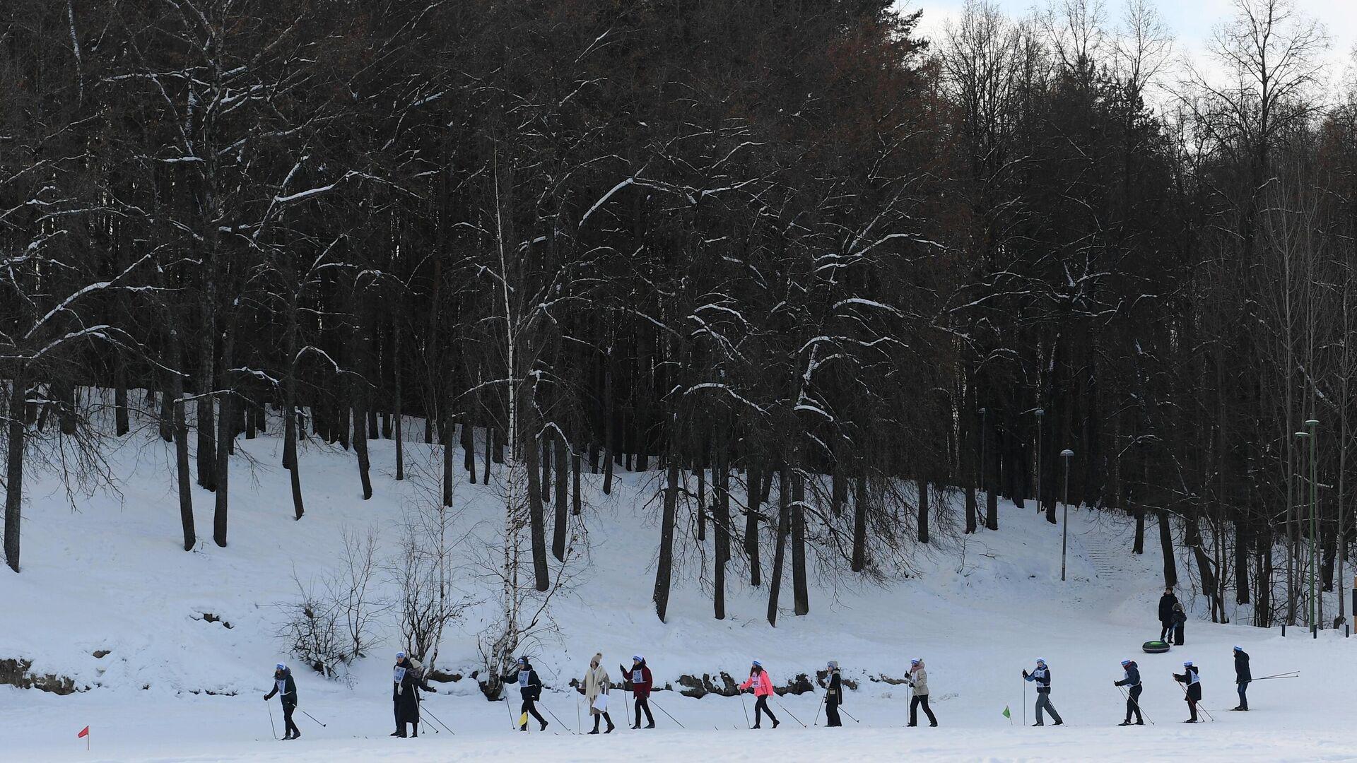 Добрая лыжня поможет детям во время Уфимского марафона - РИА Новости, 1920, 11.02.2021