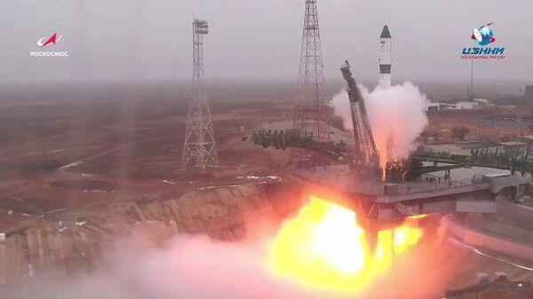 Кадры запуска грузового корабля Прогресс МС-16 с космодрома Байконур