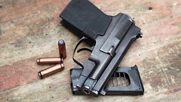 Пистолет самозарядный специальный Вул