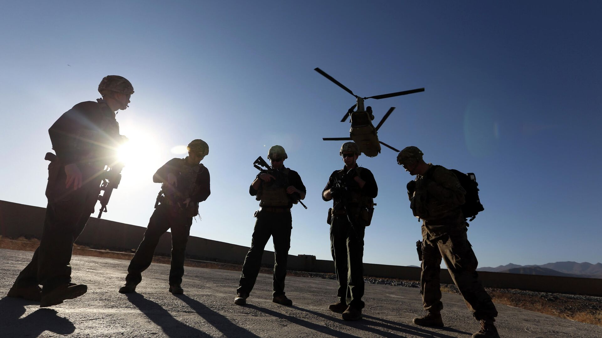 Politico: военные в США выступали за сохранение присутствия в Афганистане