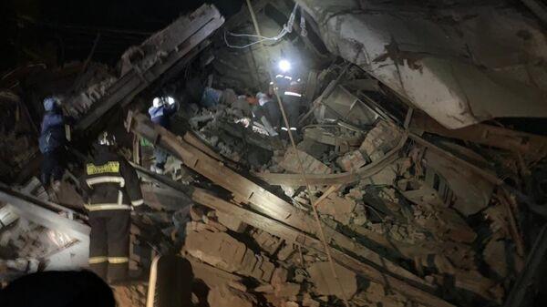 Обрушение на Норильской обогатительной фабрике, где под завалами могут находиться люди