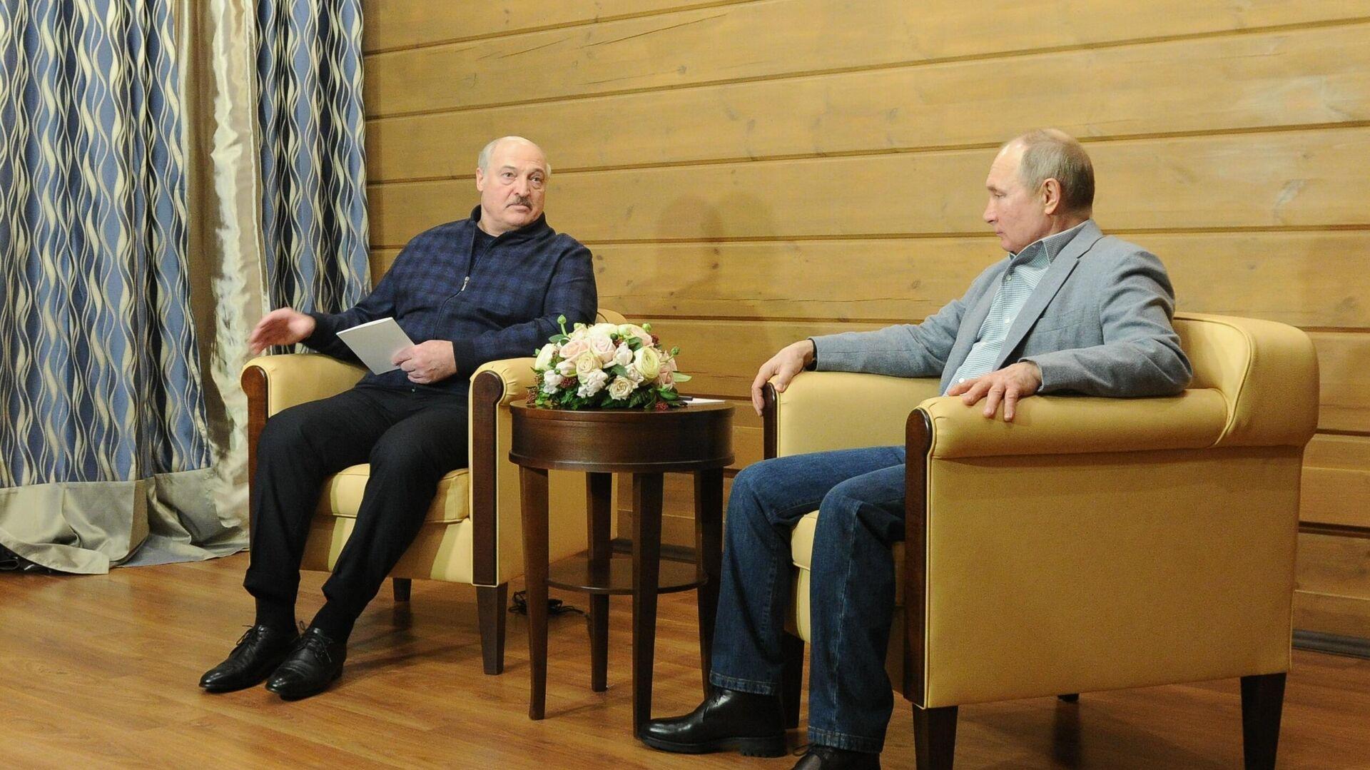 Президент РФ Владимир Путин и президент Белоруссии Александр Лукашенко во время встречи - РИА Новости, 1920, 02.03.2021