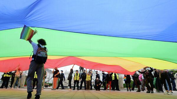 Демонстрация в поддержку ЛГБТ в Варшаве