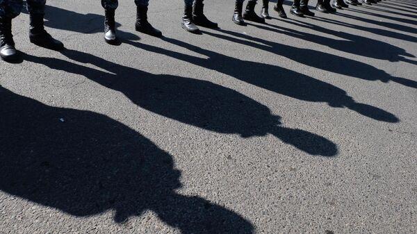 Сотрудники полиции у здания Национальной академии наук в Еревaне