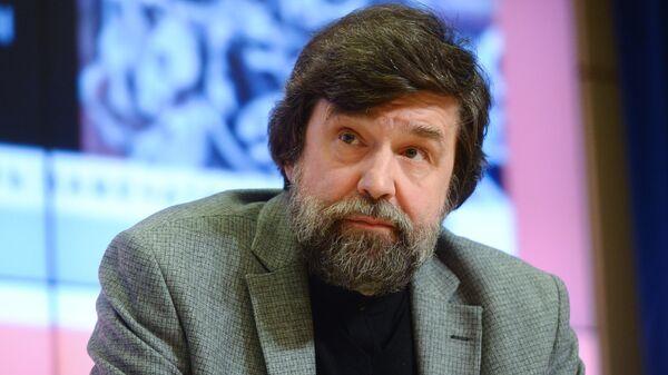 Директор и главный редактор издательства Молодая гвардия Андрей Петров в ММПЦ МИА Россия сегодня