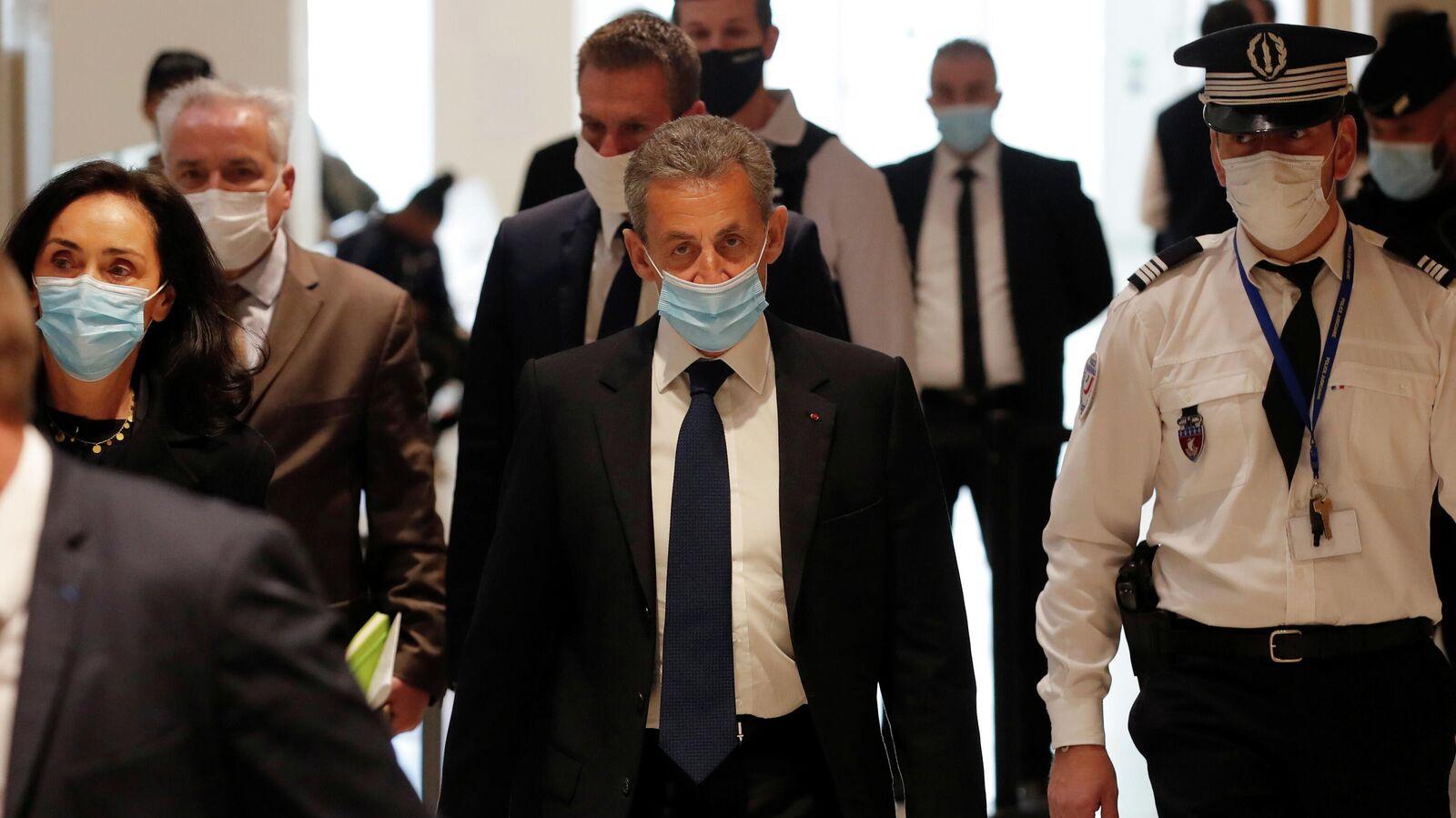 Саркози приговорили к трем годам лишения свободы