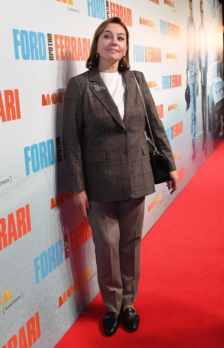 Телеведущая, журналист Арина Шарапова на премьере фильма Джеймса Мэнголда Ford против Ferrari в Москве