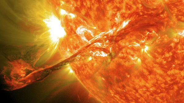 Землю накроет выброшенное с Солнца облако плазмы