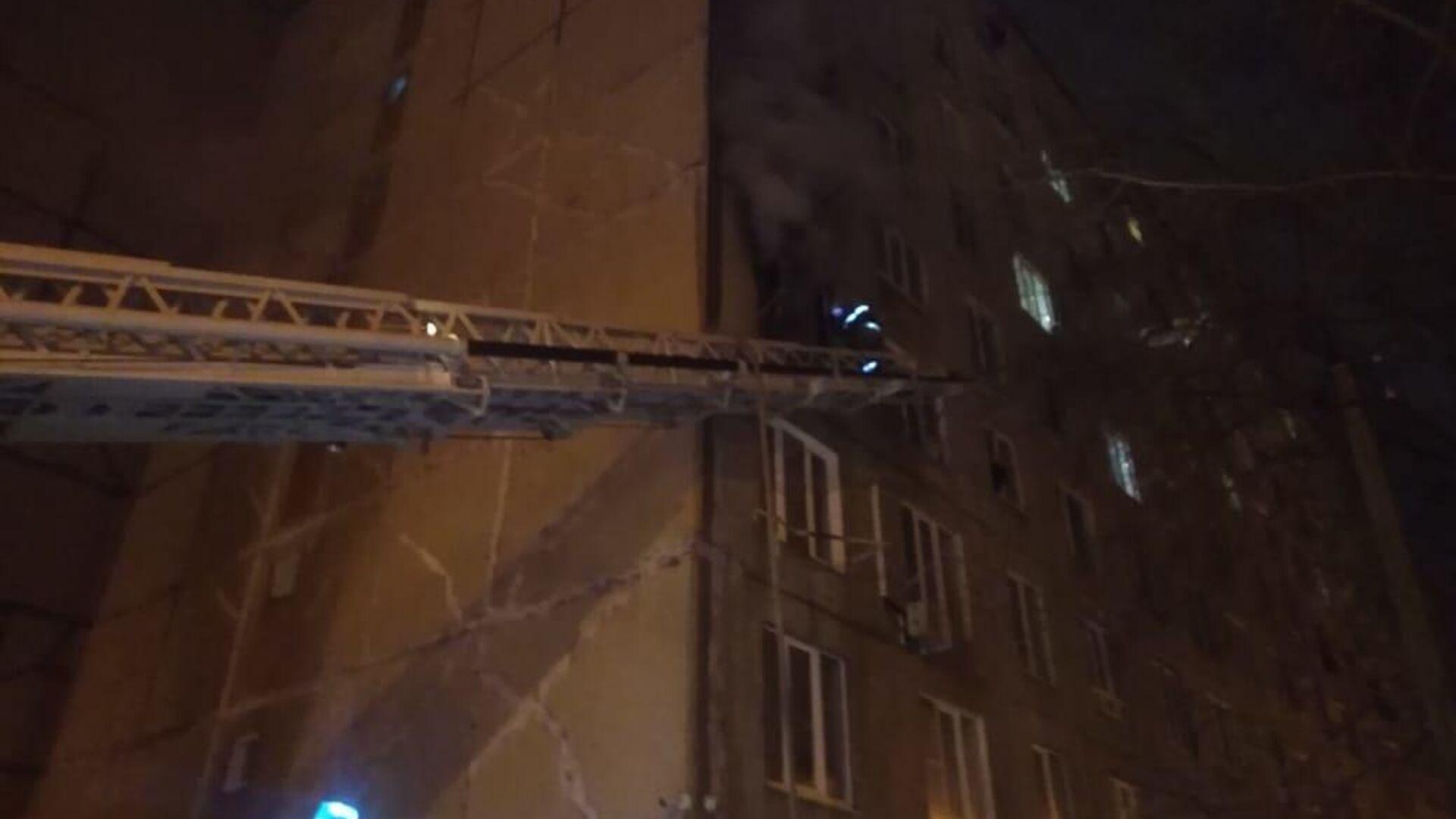 Пожар в многоэтажном доме в Уфе - РИА Новости, 1920, 07.03.2021