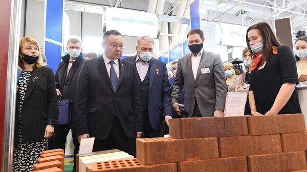 Министр строительства и жилищно-коммунального хозяйства РФ Ирек Файзуллин во время посещения Международной специализированной выставки RosBuild