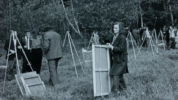 Документальные фотографии Бульдозерной выставки и выставки в Измайлово, 1974