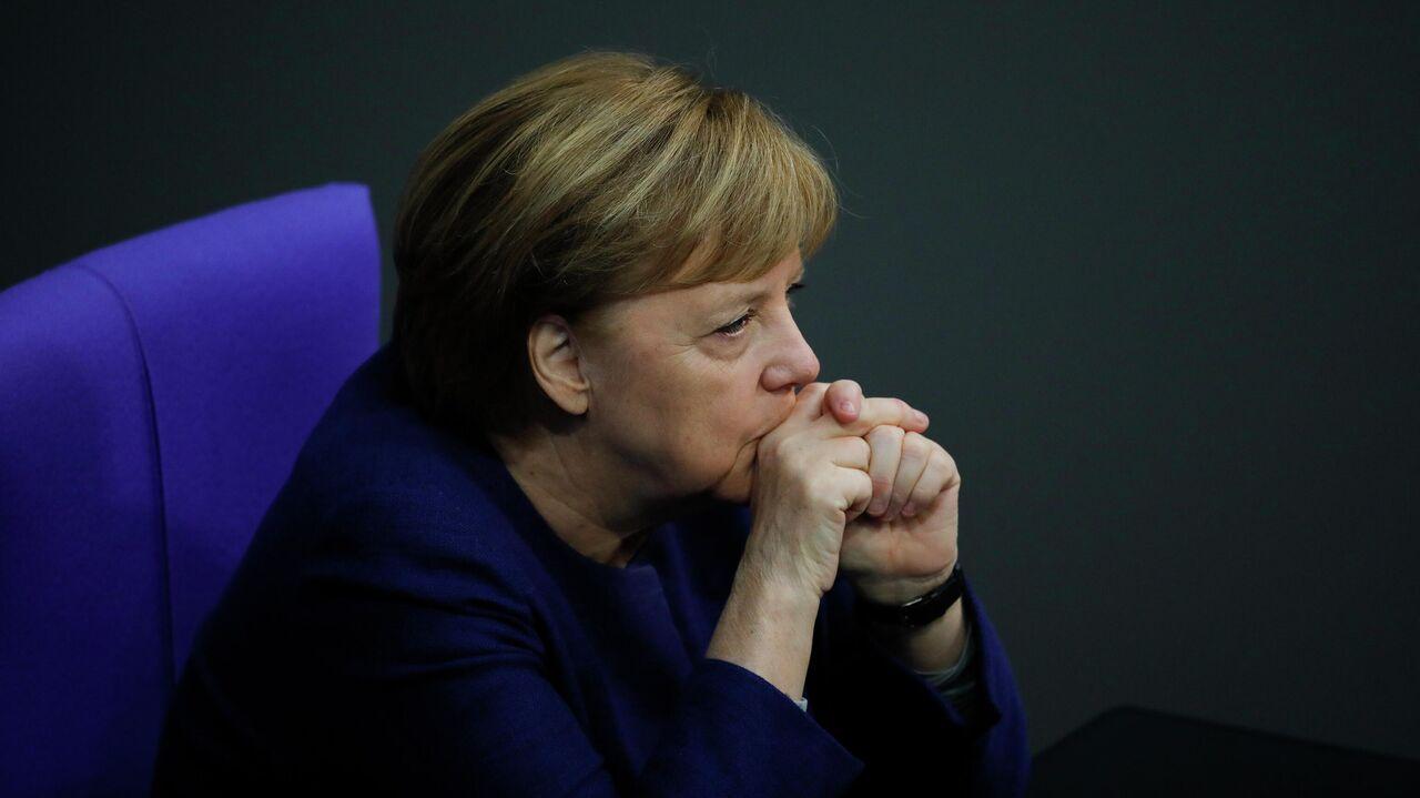 """Меркель рассказала Байдену о своей позиции по """"Северному потоку — 2"""""""