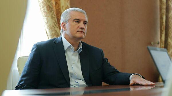 Аксенов прокомментировал слухи об отставке