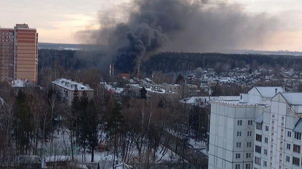Пожар на стекольном заводе в Химках
