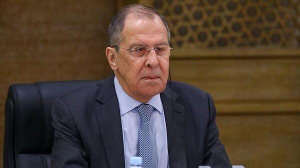 Лавров надеется, что политики в Киеве не будут подзуживать военных