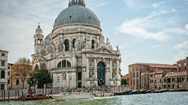 Санта-Мария-делла-Салюте в Венеции
