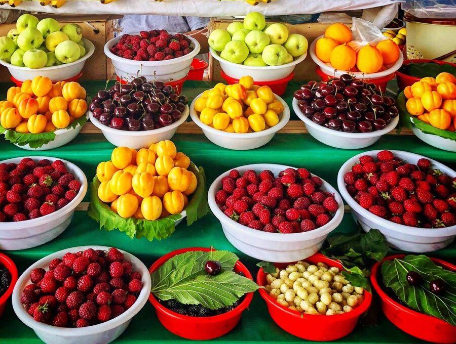 Узбекске фрукты в мае