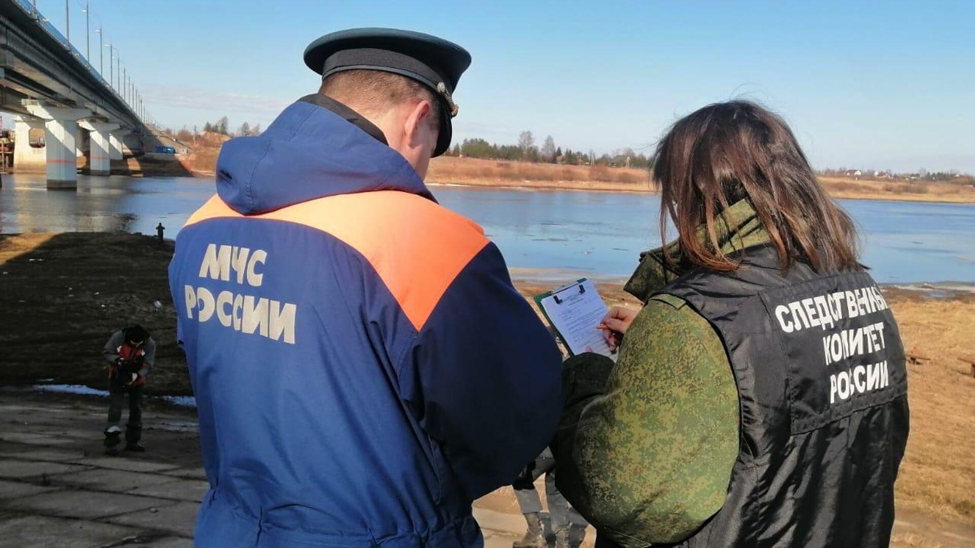 На месте затонувшего в Волхове теплохода установили боновые заграждения