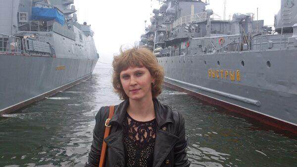 На фоне первого корабля-корвет Совершенный (слева на фото)