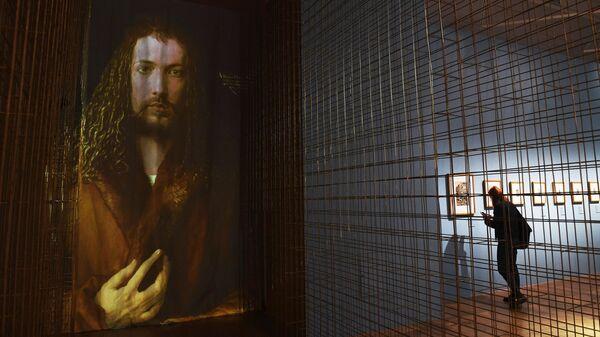 Знаменитый автопортрет Дюрера (цифровая копия) на выставке Альбрехт Дюрер. Шедевры гравюры