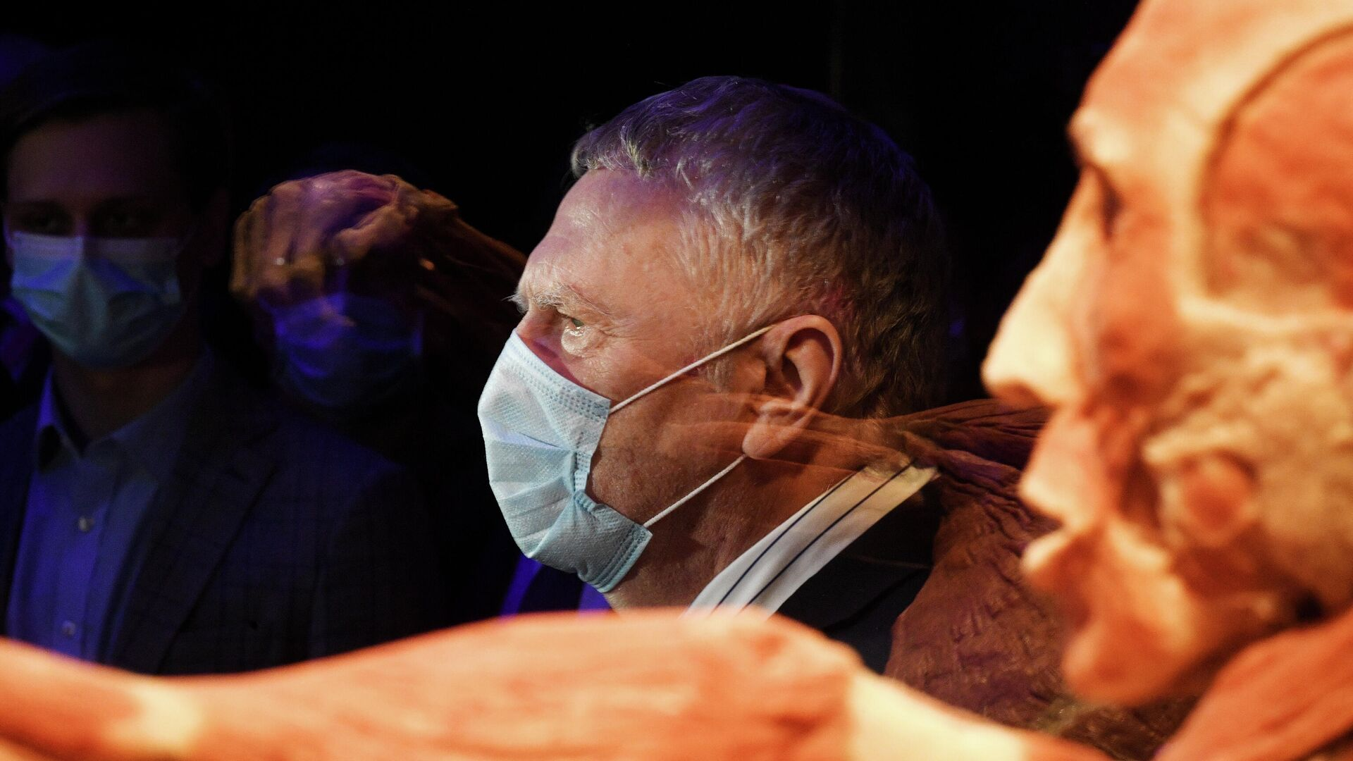 Лидер ЛДПР Владимир Жириновский во время посещения выставки Мир тела - РИА Новости, 1920, 18.05.2021