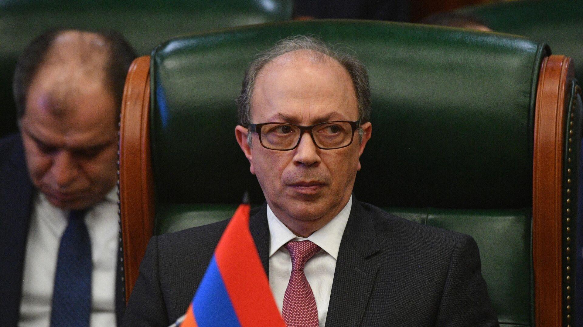 Министр иностранных дел Армении Ара Айвазян принимает участие в заседании Совета министров иностранных дел стран СНГ - РИА Новости, 1920, 06.05.2021